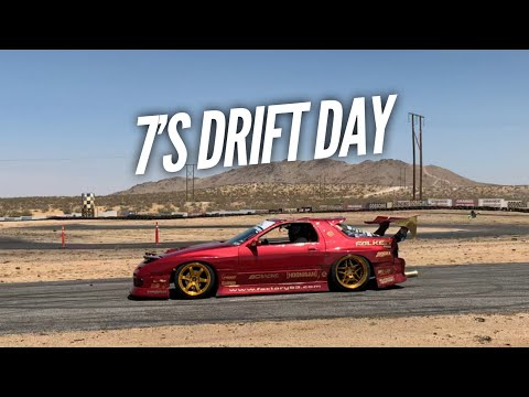 I've NEVER seen this many RX-7s drifting at once! 7's Day with Hert