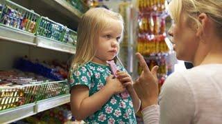 Не дала дочери конфету, и та сказала, что я плохая мама. Мне удалось воспитать ее одной короткой