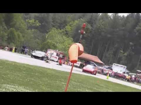 Ferrari F12 Vs Porsche 911 1/2 mile drag...