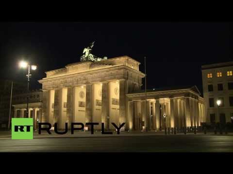 Germany: Anonymous protest-projection illuminates espionage on US embassy