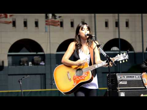 Michelle Branch - The Game Of Love (acoustic - Live)