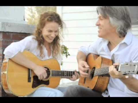The 59th Street Bridge Song (Feelin' Groovy) / David Llewellyn and Ida Kristin
