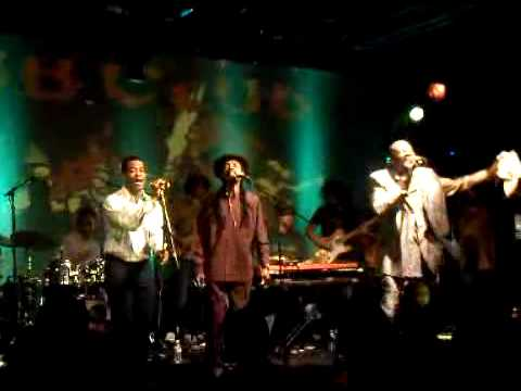 Heptones @ Dub Club 2010 - Rivers Of Babylon encore.3GP