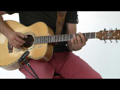 Acoustic Nation Lesson: Tommy Emmanuel Teaches His Picking Technique