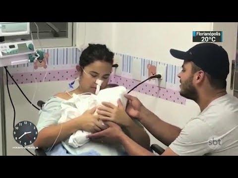 Grávida que sofreu acidente conhece bebê que nasceu durante o coma | SBT Notícias (13/11/17)