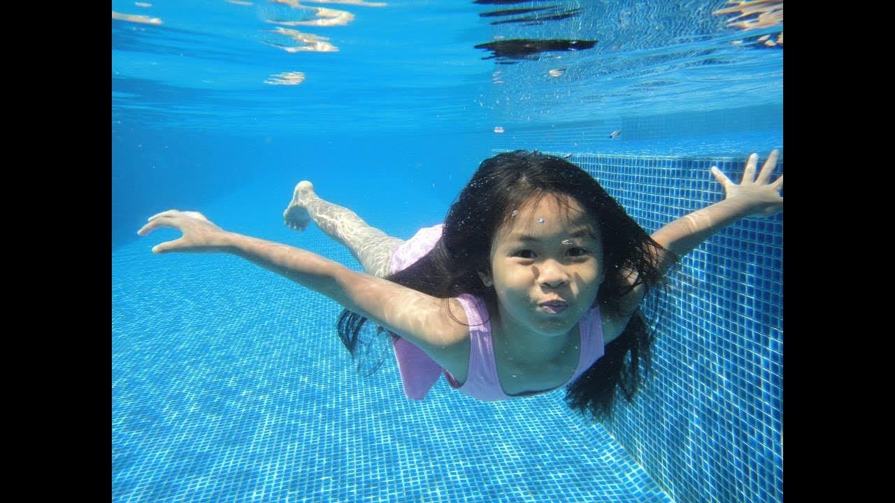my kids swimming underwater pattaya - Kids Swimming Underwater