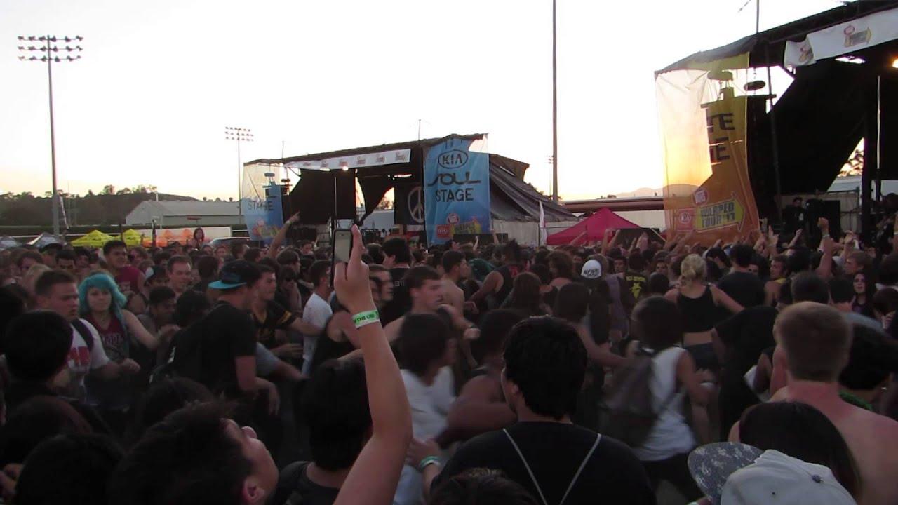 Bring Me the Horizon Circle Pit -Vans Warped Tour 2013 ...
