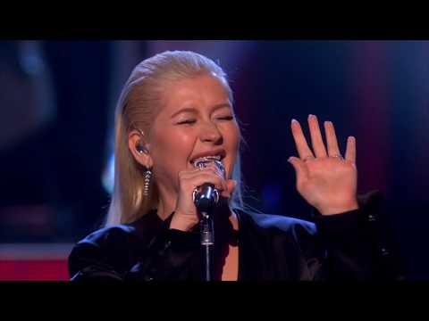 Christina Aguilera - Whitney Houston & The Bodyguard Tribute