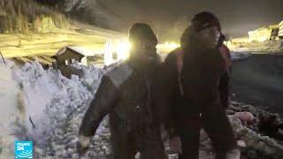 معاناة المهاجرين في جبال الألب