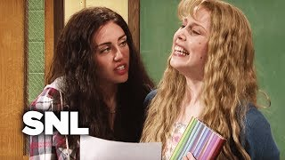 Poetry Class with Miley Cyrus - SNL thumbnail