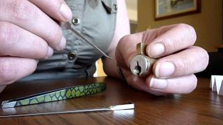 Repeat youtube video Beginners Lockpicking Exercise