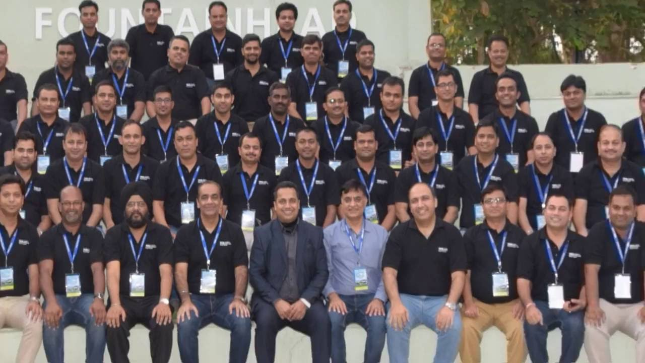 Motivational Trainer Leadership Seminar Inspirational Speaker in Hindi & English in Mumbai Pune
