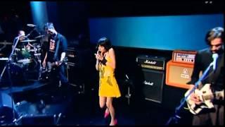 PJ Harvey - The Letter (Live Jools Holland 2004)