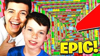 PLAYING MINECRAFT DROPPER with MY LITTLE BROTHER!