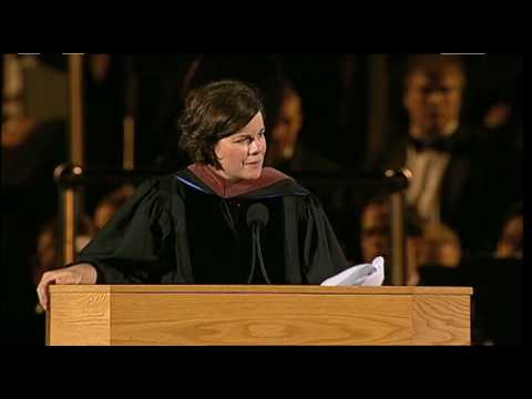 Marcia Gay Harden delivers commencement address - YouTube