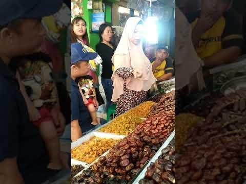 Kurma Vacum Khalas Date Crown Oleh - Oleh Haji dan Umroh.