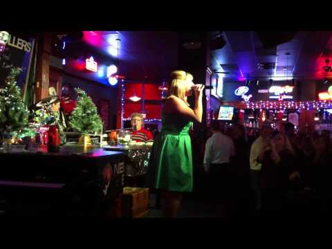 Howl at the Moon Charlotte (Mariah Carey - All I Want for Christmas)