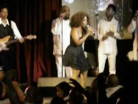 Stephanie Mills Still Brings The Funk With