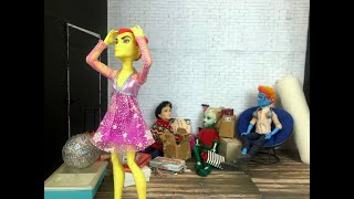 Locked In- A Monster High/Ever After High New Years Special Stop Motion