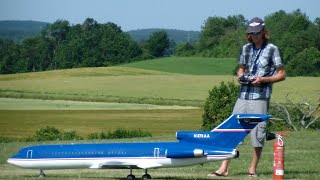 Lucky moment R/C Turbine Airliner Boeing 727 Take-off good reaction