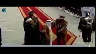 فضيحة أمير الكويت سكران ثمل في زيارته لإيران بالمطار أمام الرئيس الإيراني Prince Of Kuwait Drunk