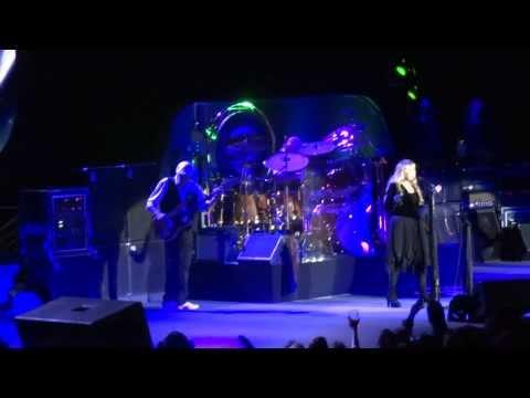 """Fleetwood Mac """"Dreams"""" live - Paris 2013"""