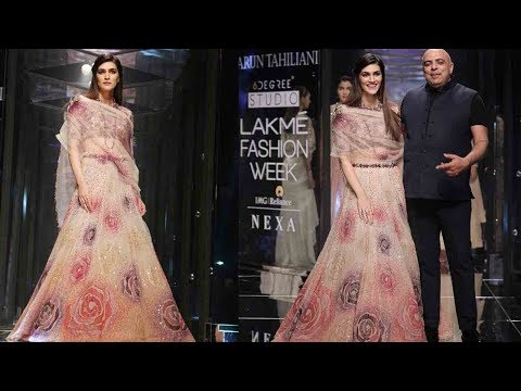 UNCUT- Kriti Sanon walks the Ramp for Tarun  Tahiliani at Lakme Fashion Week 2018 | SpotboyE