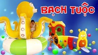 BÉ BÚN CƯỠI BẠCH TUỘC KHỔNG LỒ CHƠI NHÀ BÓNG Fun Indoor Playground for Kids   Creative Kid's