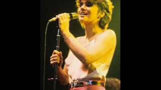 Watch Linda Ronstadt Sail Away video