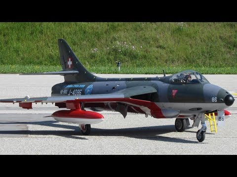 RC SCALE JET TURBINE POWERD WITH BRAKE PARACHUTE SWISS HAWKER HUNTER MK II