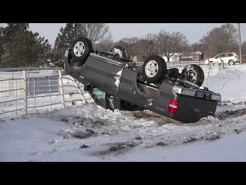 Wichita, KS Winter Storm Multiple Vehicle Wrecks - 3/3/2019