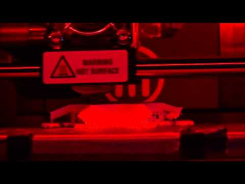 3d Printing Time Lapse Close Up (With catastrophic errors)