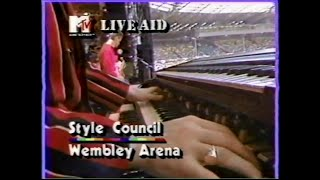 Sourced from the MTV broadcast. NOT INCLUDED ON THE 2004 DVD RELEAS...