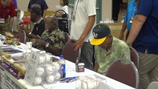 Campaneris, Tiant & Mud Cat Grant Signing At 2014 All-Star Fan Fest - iFolloSports.com