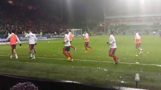 (Derby ASSE - OL 17/01/16) Lancée de boules de neige sur les joueurs Lyonnais