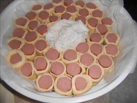 Corona rustico di pasta sfoglia e wurstel rustic puff for Cucinare wurstel