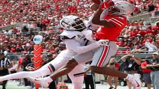 Cincinnati Safety Kyriq McDonald Collapses on Field in Freak Injury vs. Ohio State