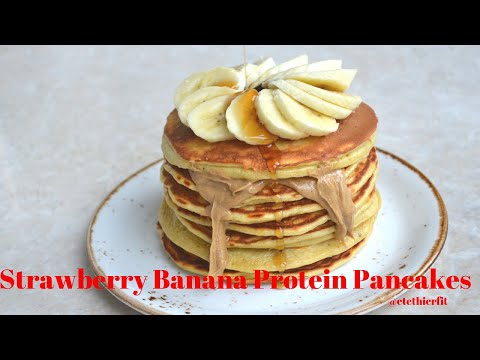 High Protein Strawberry and Banana Pancakes | 368 Calories | Low Calorie