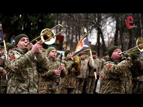 Є Новини Хмельницького YeUa: Вручення почесного прапору 19-ій ракетній бригаді в Хмельницькому