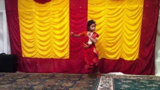 Download little cute girl dance in janmashtami MP3 song and Music Video