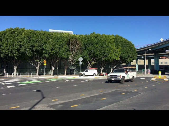 9th and Division protected intersection, San Francisco (time-lapse)