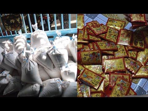 Vietnam 2017 - Money & Rice Donation