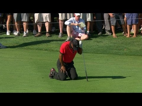 Tiger Woods drops to his knees in pain during final round