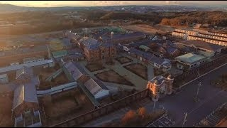 明治時代の建築技術の粋を結集して建造された旧奈良監獄の動画です。 俳...