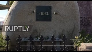 Cuba  Mourners flock to lay flowers at Castro's tomb