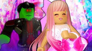 Saving Leah Ashe From The Evil Curse! ( A Roblox Royale High Movie)