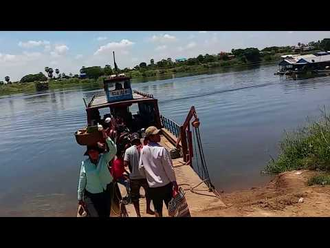 Cambodians living along the Tonle Sap Lake river 2016 | Cambodia trip 2016