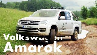 Matthias Malmedie pflügt im VW Amarok hart durchs Gelände
