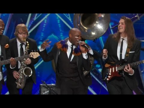 America's Got Talent 2015 S10E05 Alex Boye Performs Their Version of Shake It Off