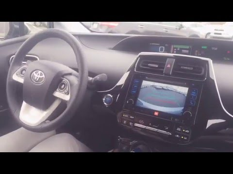 2016 Toyota Prius Intelligent Parking Assist (IPA)